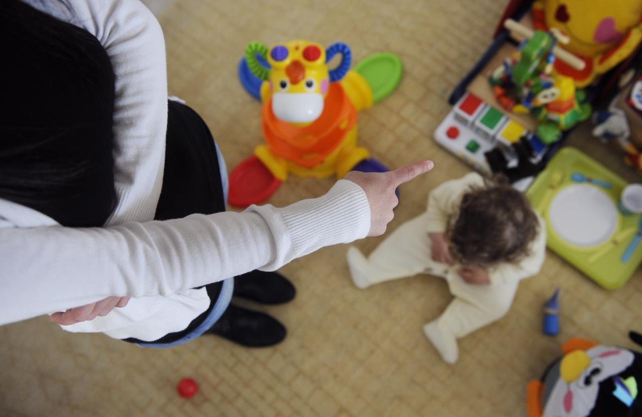 """Violenze ai danni dei bambini """"Maltrattavano e umiliavano bambini dell'asilo: tre maestre ai domiciliari"""""""