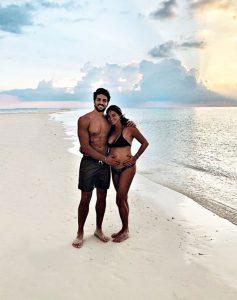 Mariano Di Vaio alle Maldive con la moglie incinta: 'Stiamo festeggiano qui l'arrivo del secondo figlio
