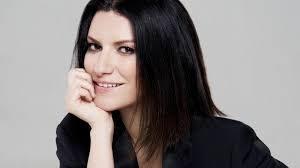 Laura Pausini festeggia 13 anni d'amore con Paolo Carta: 'Buon anniversario, sorriso più bello del mondo'