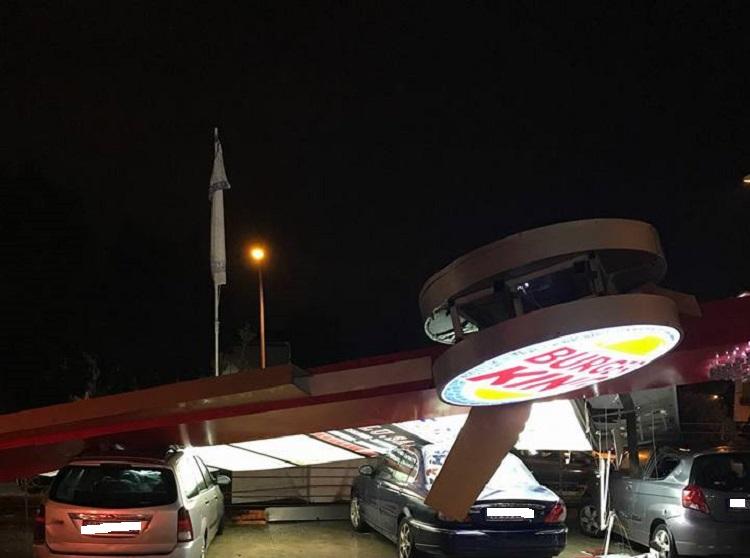 """Violenta tromba d'aria si abbatte sul Casertano: otto feriti, uno è grave"""""""