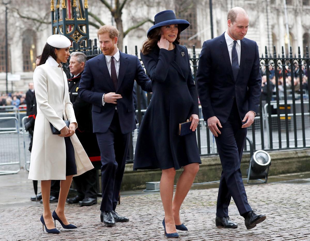 Kate Middleton e Meghan Markle, stesse scarpe a Westminster e scivolone di stile