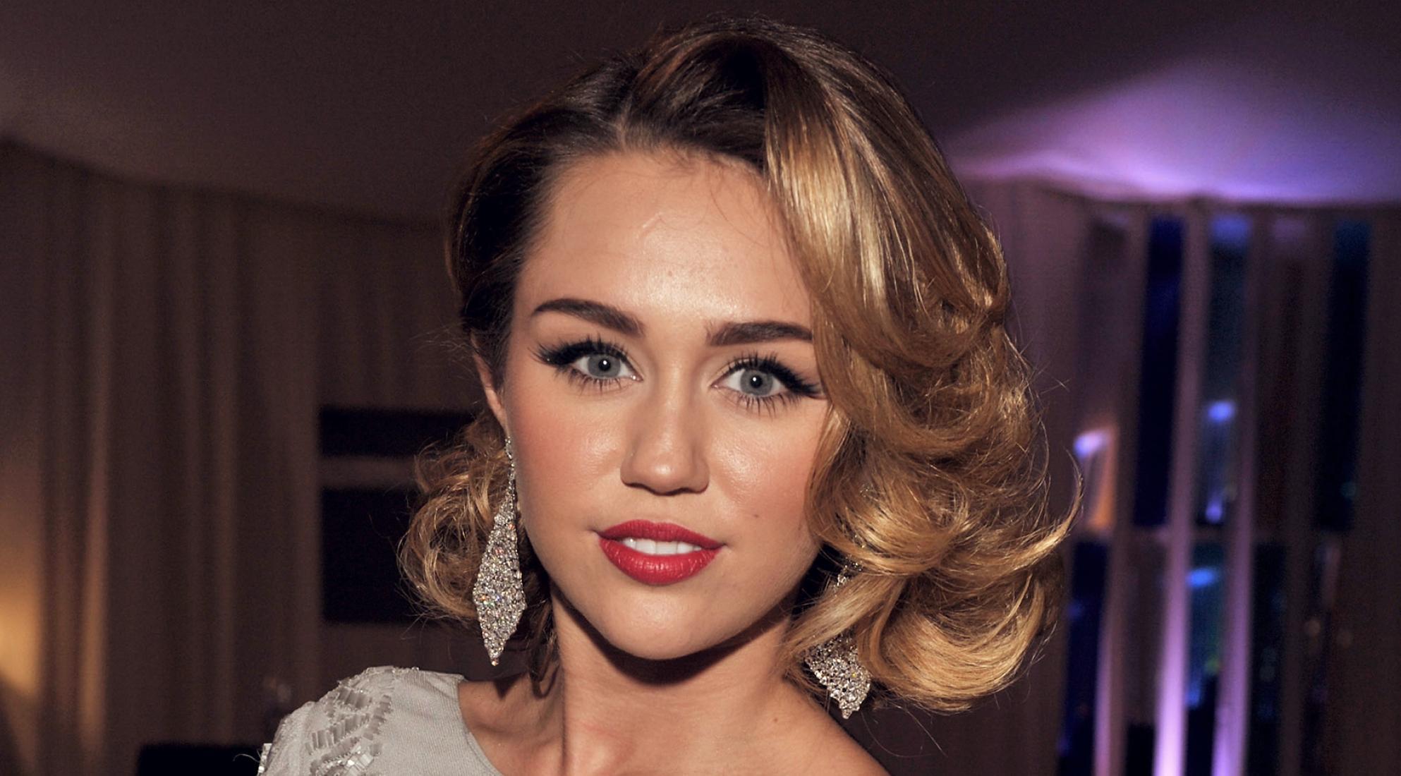 Miley Cyrus accusata di plagio, chiesti 300 milioni